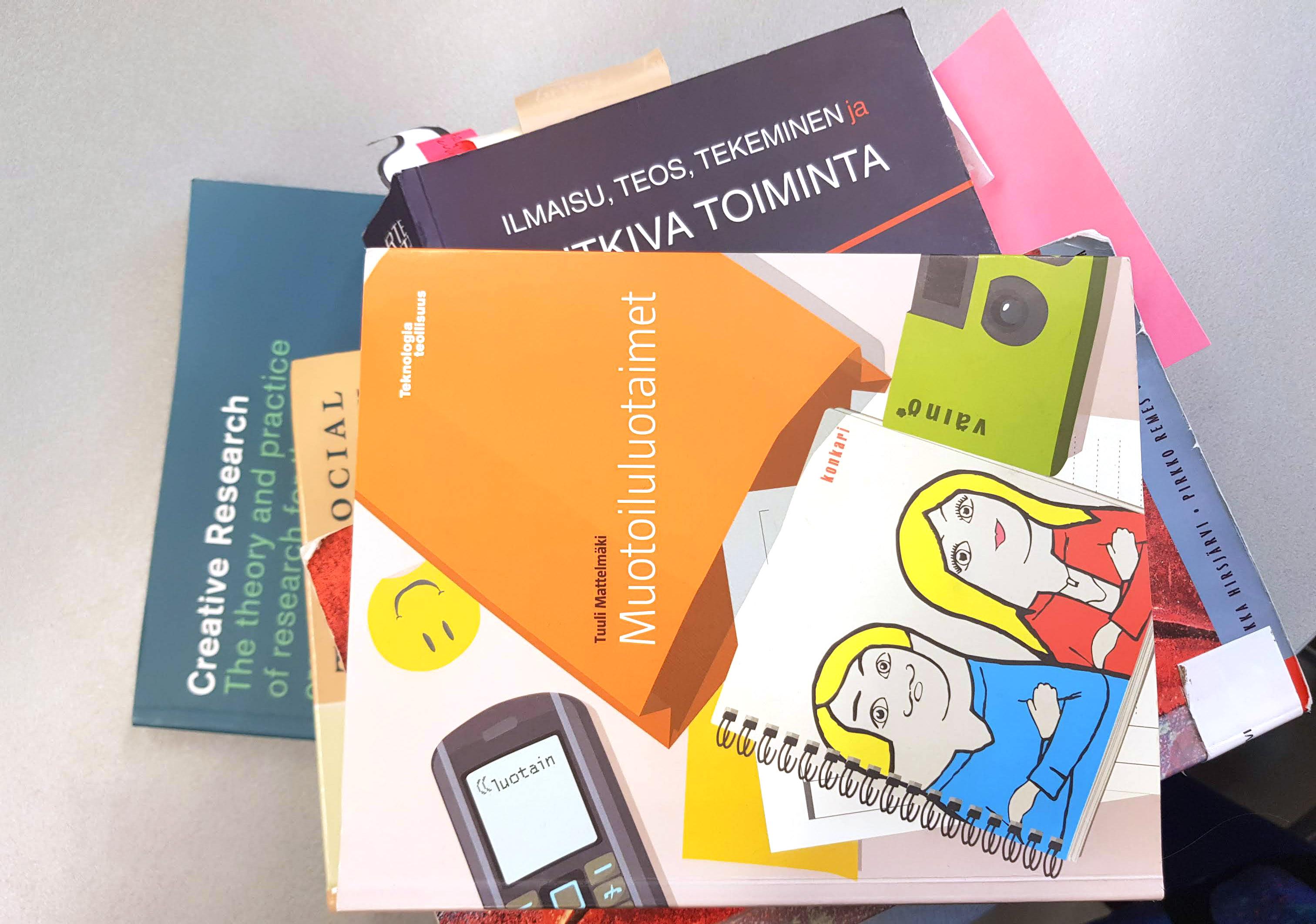 Course Image 16 / Opinnäytetyö / Muotoilu